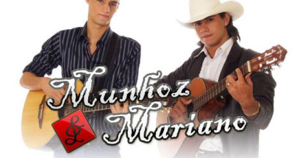 Munhoz e Mariano fecham Expo MS com chave de ouro