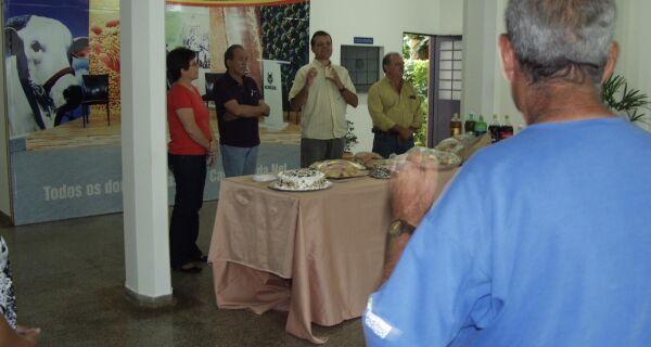 Acrissul encerra suas atividades em 2009 e distribui cestas natalinas aos funcionários