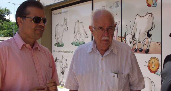 Diretoria do Sicredi visita Parque Laucídio Coelho para escolha de stand