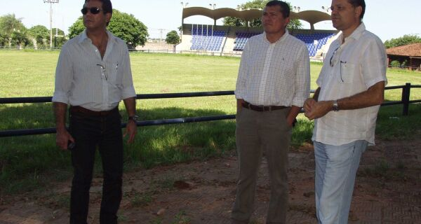 Representantes do Grupo JBS visitam a Acrissul