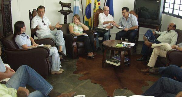 Acrissul e leiloeiras se reúnem para discutir transmissão dos leilões