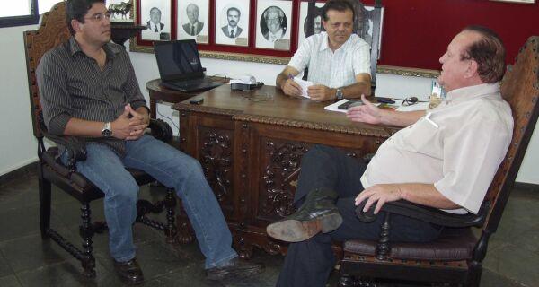 Prefeito de Maracaju visita sede da Acrissul