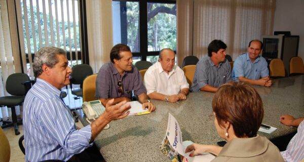 Maia convida Puccinelli para abertura da Expogrande
