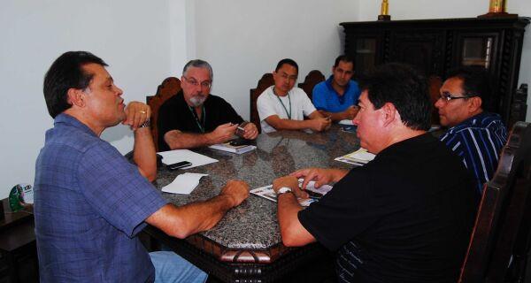 Maia recebe visita de representantes do Mapa e MDA