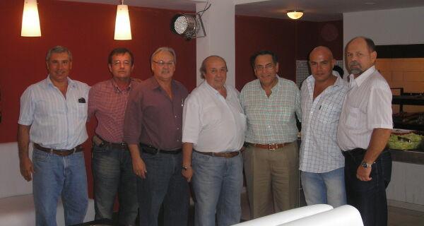 Vice-presidente da Acrissul Jonathan Barbosa convida criadores bolivianos para Expogrande