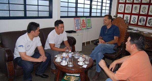 Maia recebe visita de representantes de empresa Coreana