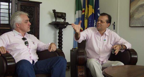 Maia recebe visita do presidente da Assocarnes