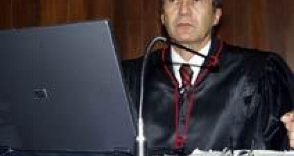 Desembargador Luiz Tadeu explica PNDH-3 e comenta conflito agrário em MS