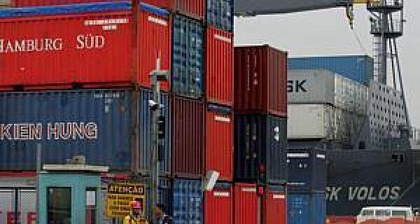 Governo revisa meta de exportações para US$ 195 bilhões