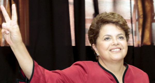 Dilma é eleita primeira mulher presidente do Brasil