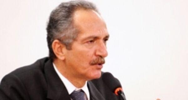 """"""" Legislação ambiental é inviável para agricultor"""", diz Aldo Rebelo"""