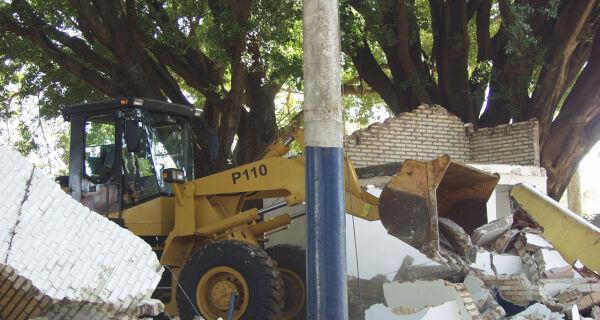 Praça vai abrigar árvores históricas no Parque de Exposições