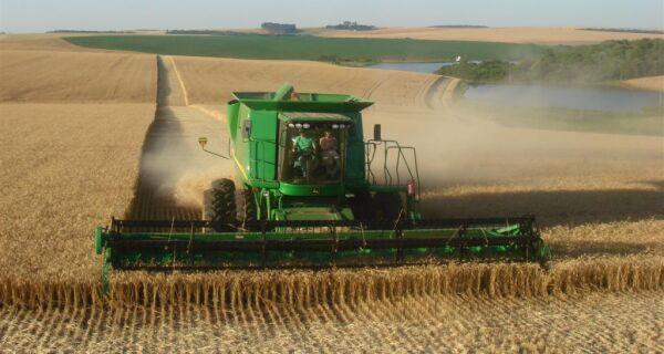 Faturamento do setor de máquinas e implementos agrícolas cresce 34% em 2011