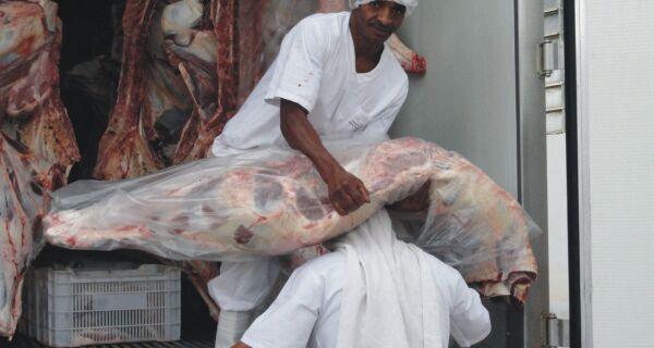 Criadores de bovinos têm dificuldade para escoar produção de carne