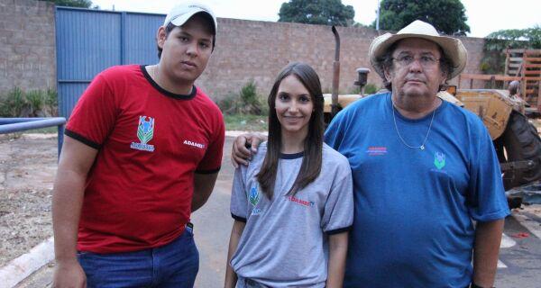 Estudantes da capital auxiliam na organização da Expogrande