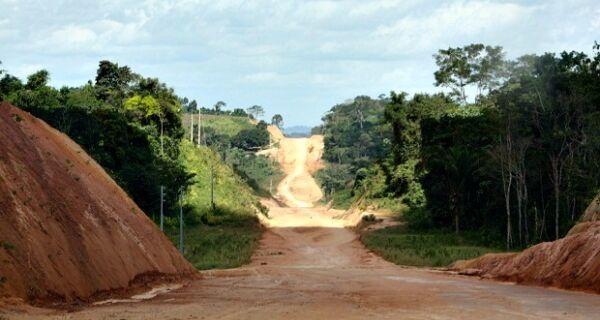 Cronograma falha e pavimentação de BR-163 entre Mato Grosso e Pará chega a 50%