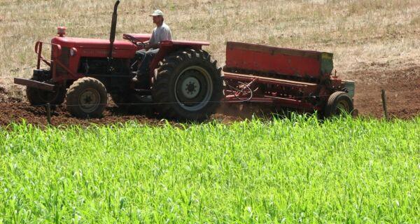 Dívidas de produtores rurais até R$ 100 mil serão renegociadas, informa governo