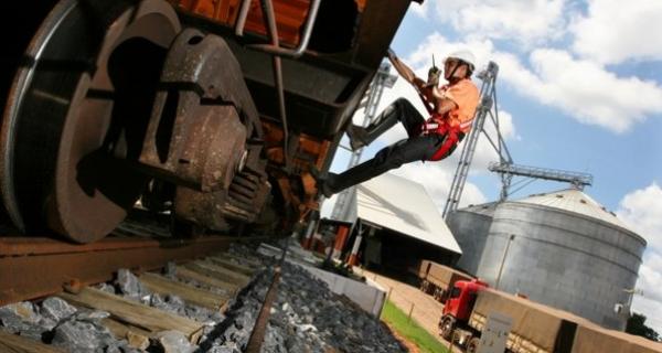 Ferrovia deverá escoar 15 milhões de t na safra 2012/13