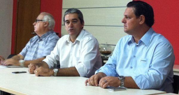 """Prado e Fávaro dizem que Brasil não é """"República de Bananas"""" sobre caso Monsanto"""