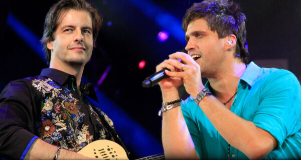 Victor e Léo sobem aos palcos da Expogrande neste sábado
