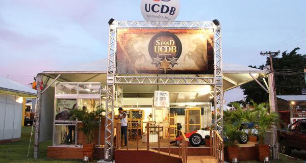 Universidade tem estande para promover interação com a comunidade