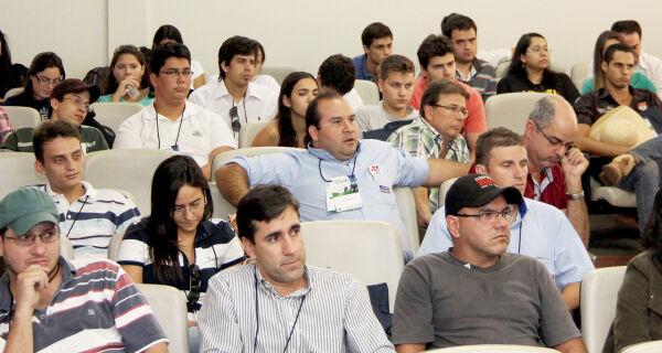 Girolando inicia Jornada Técnica na Expogrande 2013