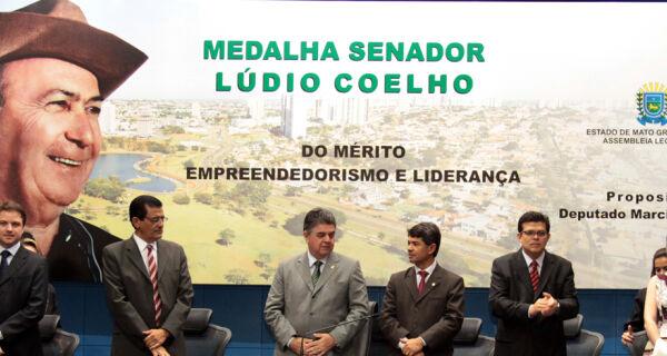 Medalha Senador Lúdio Coelho homenageia empreendedores de Mato Grosso do Sul