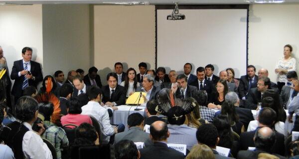 Ministro reúne-se com grupos em MS para discutir soluções dos conflitos indígenas