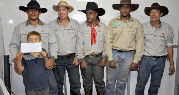 Estância Pouso Alegre e Fazenda Nazaré empatam e são as campeãs da Copa Acrissul de Laço Comprido