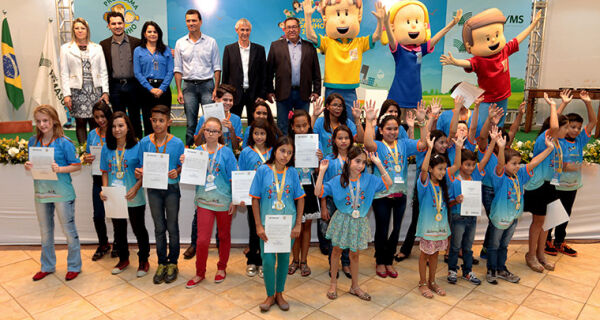 Fazendo conexão entre o campo e a cidade, premiação do Agrinho reúne mais de 650 pessoas