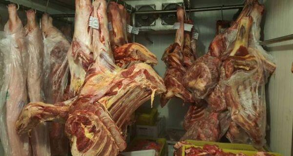 Polícia apreende três toneladas de carne imprópria no RS