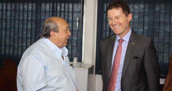 Cônsul australiano visita Acrissul e fala sobre investimento