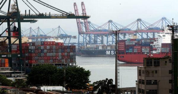 Setores ligados à exportação começam a mostrar recuperação do emprego