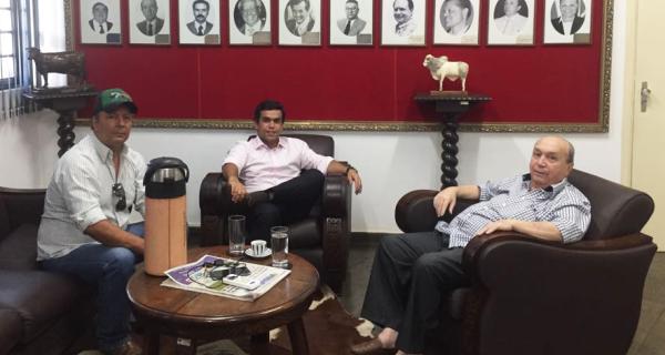 Deputado Beto Pereira visita Acrissul e oferece apoio à nova diretoria
