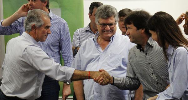 Reinaldo Azambuja autoriza redução da carga tributária do leite para indústrias