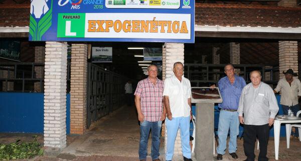 Acrissul homenageia Chico Carvalho com nome de pavilhão na Expogrande