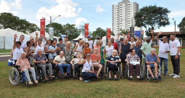 Lar de idosos visita 80ª Expogrande