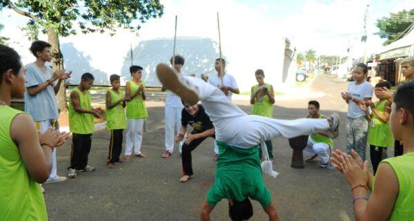 Crianças do projeto Rede Solidária participam da 80ª Expogrande