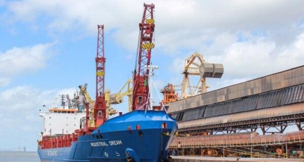 CNA consegue liminar no STF que permite produtor exportar carga viva pelo Porto de Santos