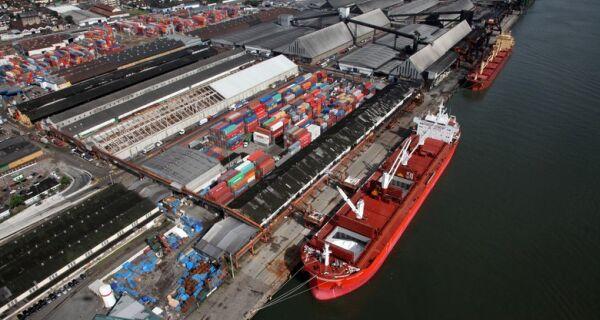 Movimentação de cargas no Porto de Santos registra recorde em março