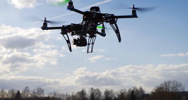 New Holland quer conectar drones a máquinas agrícolas