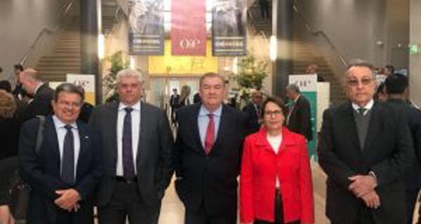 Presidente da FPA integra comitiva brasileira para certificação da OIE ao Brasil