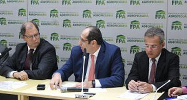 FPA cobra providência da ANP sobre alta de combustíveis