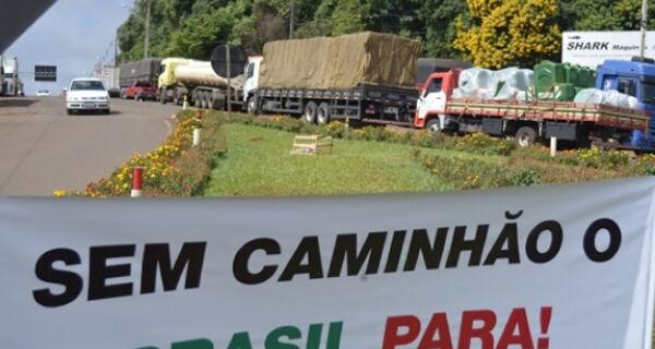 Greve de caminhoneiros deve paralisar 90% da produção nacional de carnes suína, bovina e de aves