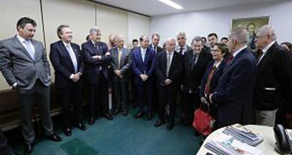 Sala Moacir Micheletto é inaugurada na Comissão de Agricultura