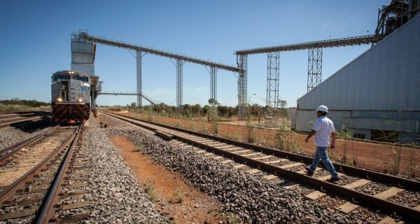 Mais de 30% da malha ferroviária estão inutilizados, diz estudo da CNI