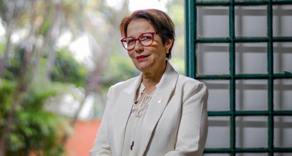 Acrissul parabeniza ministra Tereza Cristina pelo seu aniversário