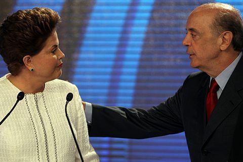 Favorita Dilma vai ao 2º turno contra Serra no maior teste à popularidade de Lula